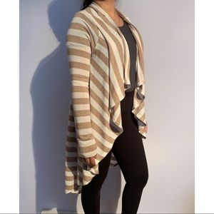 2 for $30✨white and brown striped cardigan🌸
